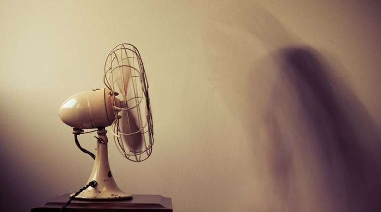 Do Ceiling Fans Help Air Conditioning?